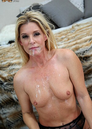 India Summer nude gallery