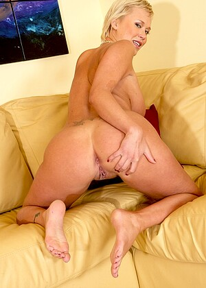 Chris Charming nude gallery