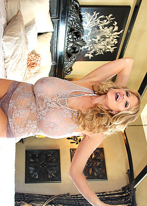 Kelly Madison nude gallery
