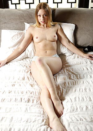 Lucy Tyler nude gallery