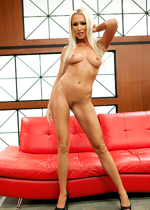 Diana Doll nude gallery