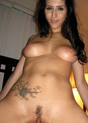 April Oneil nude gallery
