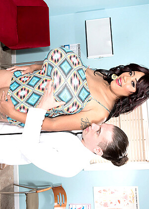 Roxi Red nude gallery