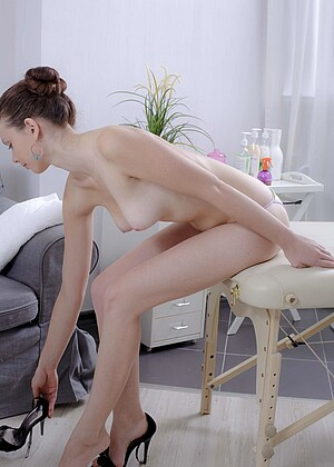 Mary nude gallery